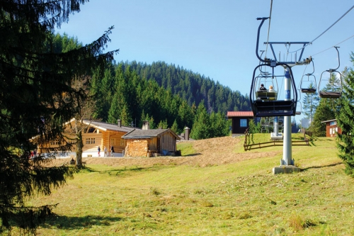 Kolbensattel-Chair lift